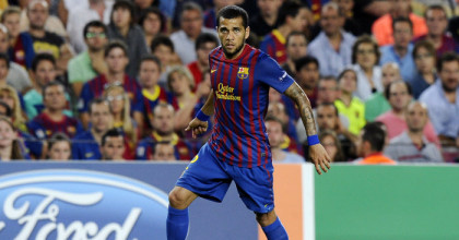 Dani Alves tacle le Real Madrid